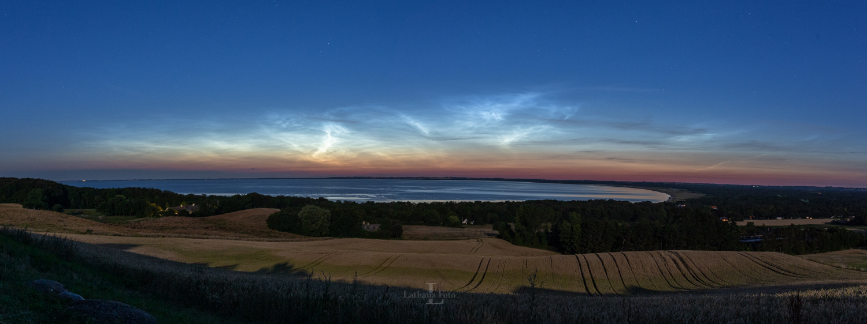 180719 Lysende natskyer over Udsigten Høve