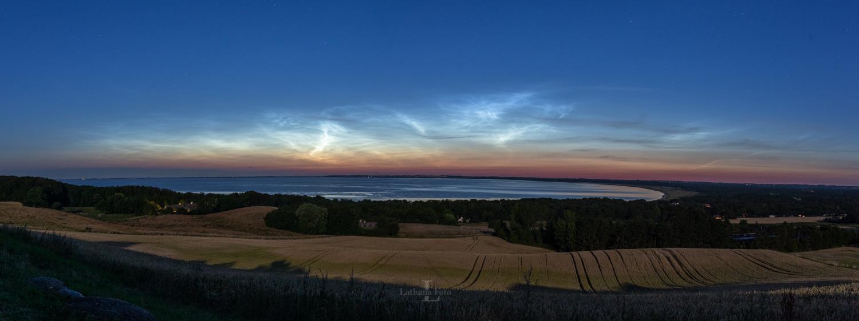 180917 Lysende natskyer over Udsigten Høve