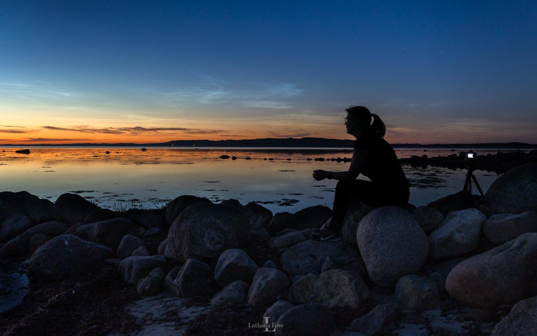 Mig og de lysende natskyer fra Havnsø Møllevej 290621 19 Fotocredit Lone Brodersen